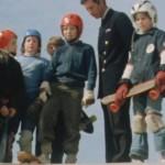 O Πρίγκιπας Κάρολος κάνει skateboard στα '70s!