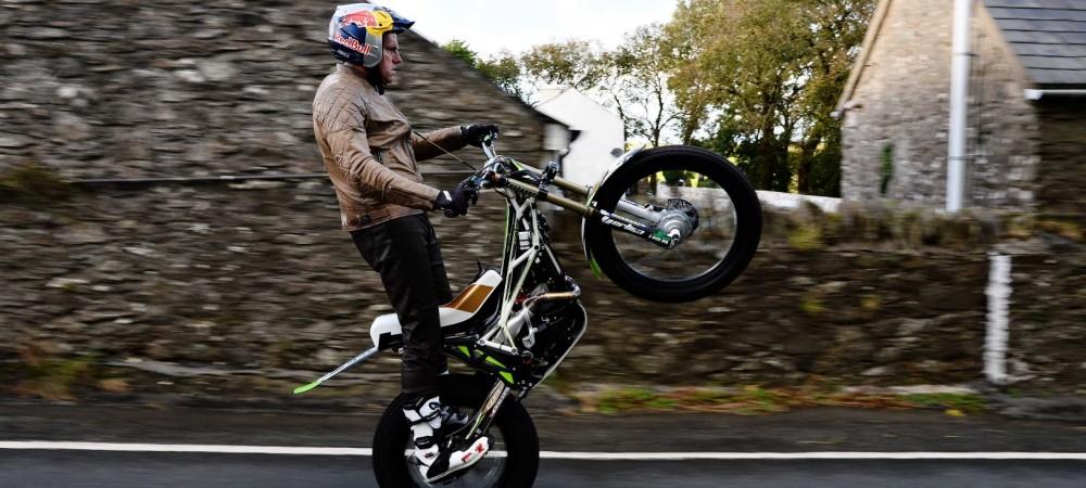 2016-isle-of-man-tt-lampkin-wheelies-entire-course-1