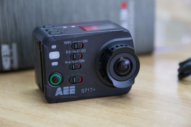 aee-s71t-3-640x427
